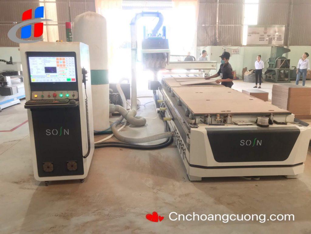 https://cnchoangcuong.com/hieu-biet-co-ban-cac-loai-may-cnc-thay-dao-tu-dong/